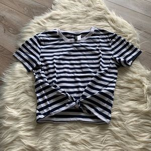 H&M Stripe T-shirt with tie knot. NWOT